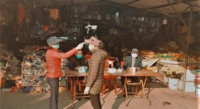 Quảng Ninh: Chợ trung tâm huyện Vân Đồn mở cửa trở lại sau 6 ngày dừng hoạt động