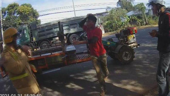 Liên tiếp cảnh sát giao thông bị người vi phạm tấn công