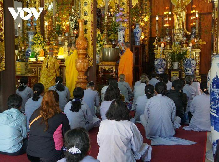 Giám sát chặt chẽ công tác phòng chống dịch tại các chùa ở tỉnh Thừa Thiên Huế