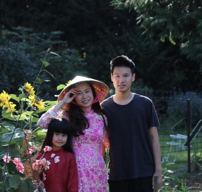 """Tết 2021 của những người Việt xa xứ: Thèm lắm một cái Tết """"bình thường"""", tìm kiếm niềm vui giản dị và nhắn gửi lời động viên đến quê nhà"""