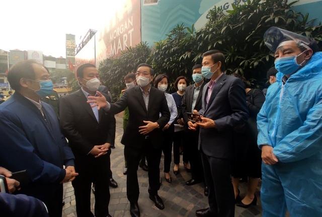 Chủ tịch Hà Nội Chu Ngọc Anh thị sát chung cư 88 Láng Hạ sau ca Covid-19