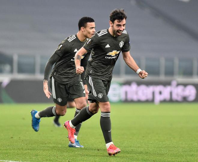 Tin mới nhất bóng đá sáng 20/2: Fernandes được vinh danh tại Europa League