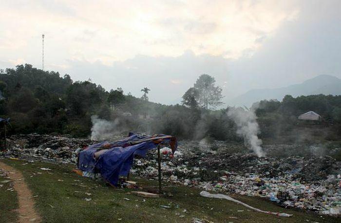 Xử lý rác thải sinh hoạt ở miền Tây Nghệ An: Nhiều bất cập - ảnh 1