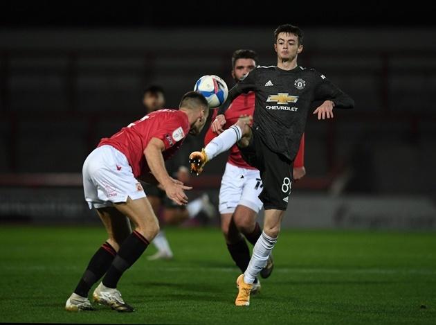 Bỏ mặc 2 ông lớn EPL, sao trẻ quyết gia nhập Man United