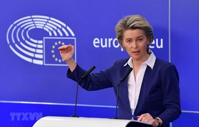 Chủ tịch EC thừa nhận chậm trễ trong cấp phép và tiêm chủng vắcxin