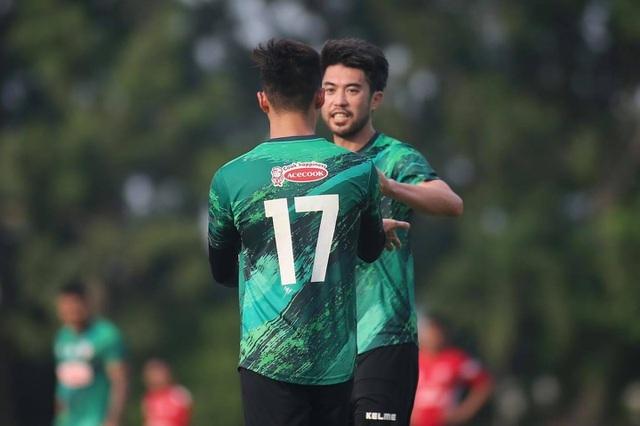 V-League tạm dừng, Lee Nguyễn vẫn tập đến sát Tết