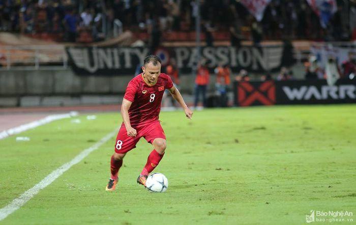 Tái đấu Indonesia tại Vòng loại World Cup 2022: Ai thay Trọng Hoàng, Văn Hậu?