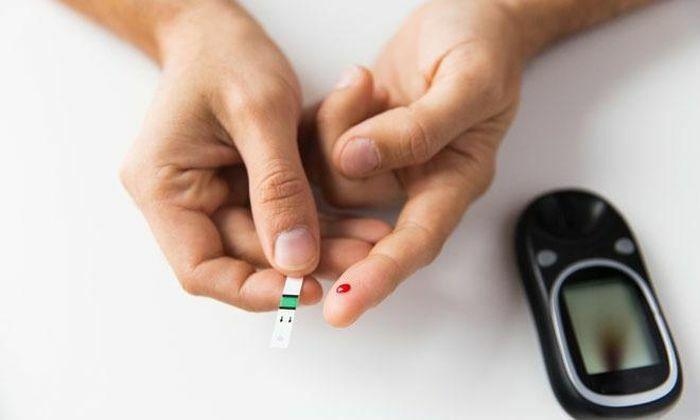 Galaxy Watch được trang bị cảm biến đo đường huyết trong cơ thể