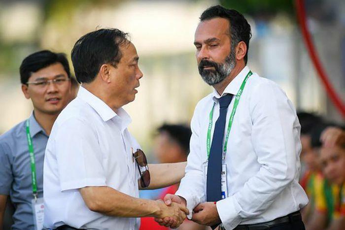 Cựu HLV Thanh Hóa công khai bằng chứng thắng kiện bầu Đệ