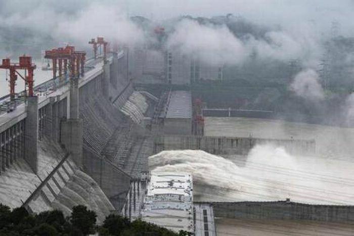 Trung Quốc mở dự án đập khổng lồ: Ấn Độ không yên