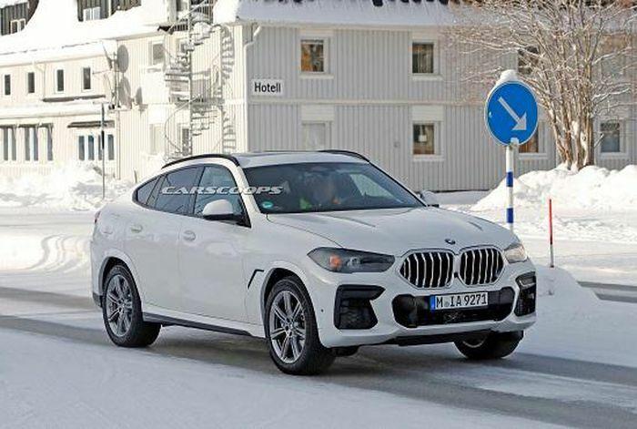 """Hé lộ nội thất """"xịn xò"""" của BMW X6 mới, màn hình kép lớn và cong như trong rạp phim"""