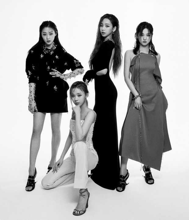 Phản dame cháy như aespa: Là nghệ sĩ Kpop đầu tiên làm đại sứ thương hiệu của Givenchy dù suốt ngày bị chê mặc xấu