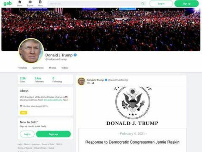 Ông Trump tái xuất hoành tráng trên mạng xã hội