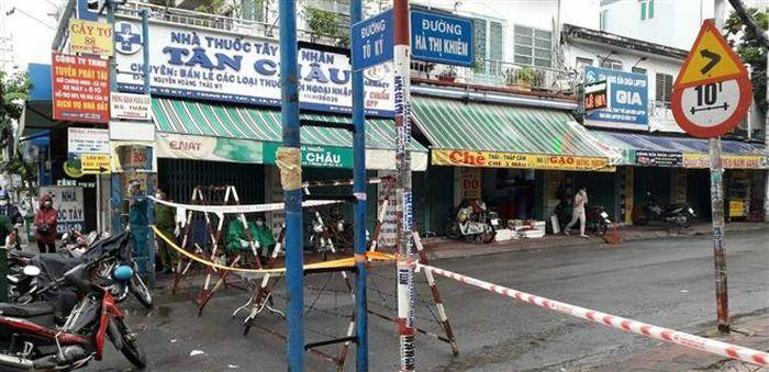 TP.HCM xét nghiệm lần 2 cho 1.600 nhân viên bốc dỡ hàng ở sân bay Tân Sơn Nhất