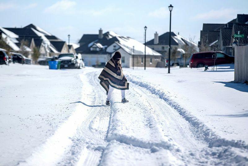 Rộ thuyết âm mưu chính phủ Mỹ tạo ra thảm họa bão tuyết ở Texas