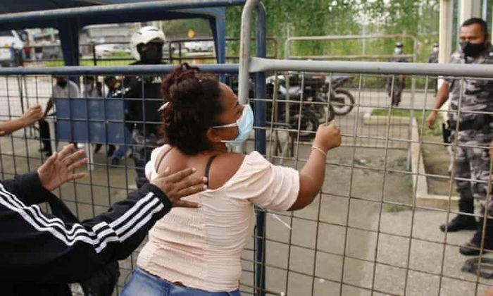 Hỗn chiến băng đảng trong nhà tù ở Ecuador, 62 người chết