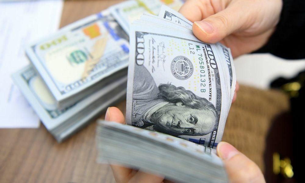 Tỷ giá USD hôm nay 20/2: Tiếp tục lao dốc