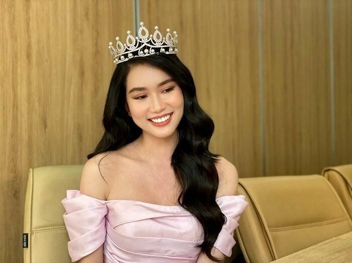 """Giao lưu cùng Miss International, á hậu Phương Anh """"bắn"""" 3 thứ tiếng"""