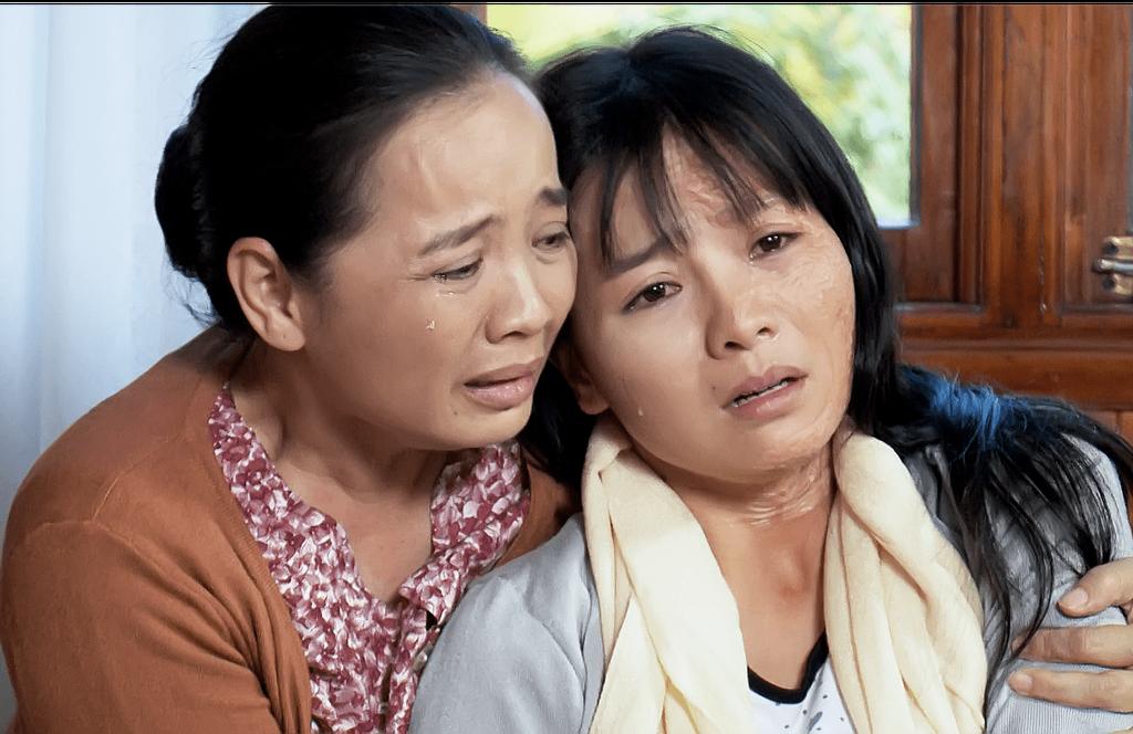 Cảnh cưỡng hiếp tập thể trong phim Việt khiến khán giả sợ hãi