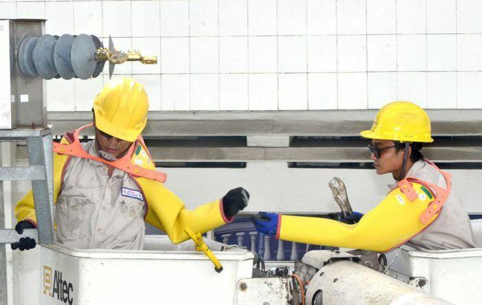 EVNHCMC: Phấn đấu giảm thời gian mất điện bình quân của mỗi khách hàng ở TP.HCM dưới 97 phút