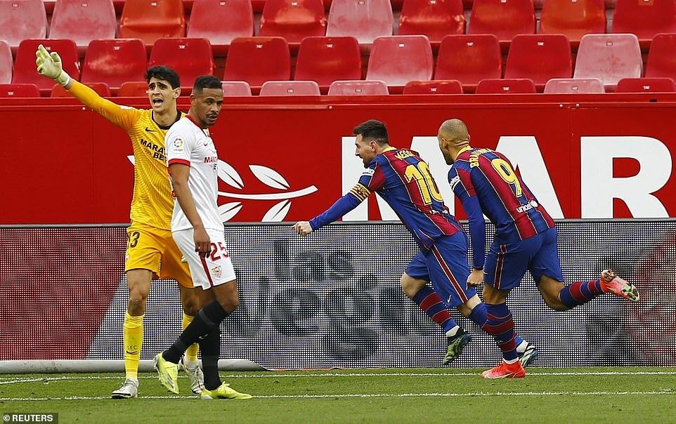 Chấm điểm Sevilla 0-2 Barca: Xứng danh 'Pogba mới'