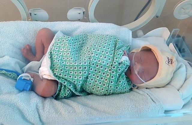 Thêm một bé sơ sinh bị bỏ rơi ở Hà Nội