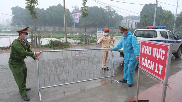 """Hà Nội nóng COVID-19, Bộ trưởng Y tế """"nóng ruột"""" muốn làm việc với Hà Nội"""