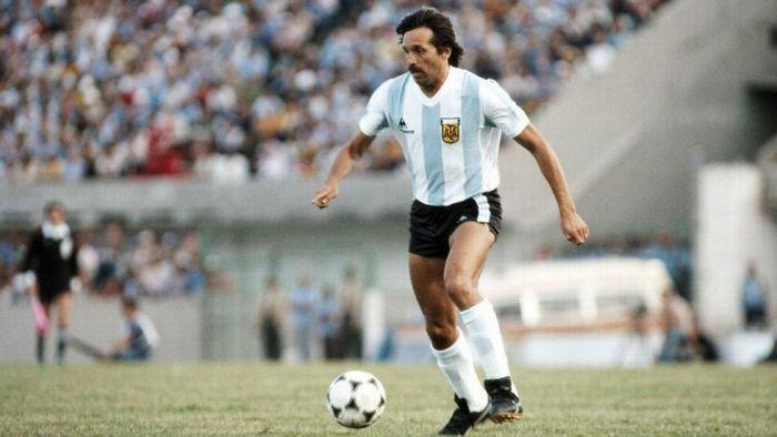 Người hùng của Argentina tại World Cup 1978 qua đời vì mắc Covid-19