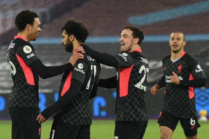 Top 10 CLB dứt điểm nhiều nhất Premier League: Arsenal vắng bóng