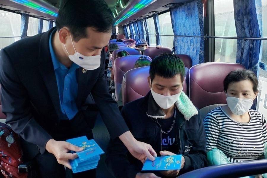 Đà Nẵng: Những chuyến xe đảm bảo phòng chống Covid – 19 đưa người lao động về quê đón Tết