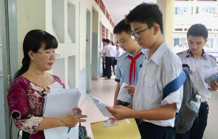 Học sinh thi lớp 10 ở Hà Nội có thể đổi khu vực tuyển sinh
