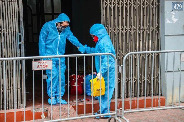 """Ca bệnh Covid-19 """"siêu lây nhiễm"""" lây bệnh cho 12 người khai quanh co, gây khó để xác định F1"""