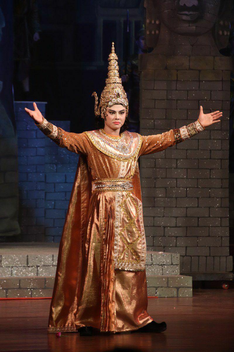 """""""Vua Priêm"""" Võ Minh Lâm trong """"Nàng Xê Đa"""": Tôi thấm mệt trên sân khấu"""