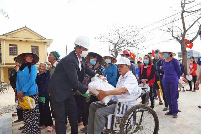 Khẩn trương xuất cấp gạo kịp thời hỗ trợ người dân dịp Tết Nguyên đán