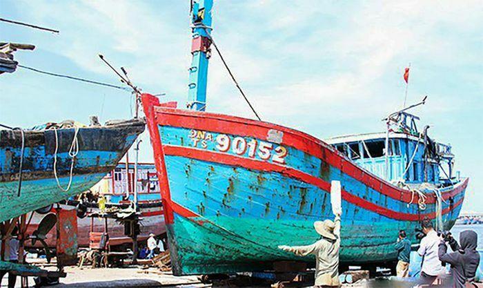 Ngư dân Việt Nam vẫn bám biển, bất chấp Luật Hải cảnh mới của Trung Quốc
