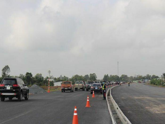 Cho xe lưu thông 40 km/giờ vào cao tốc Trung Lương – Mỹ Thuận