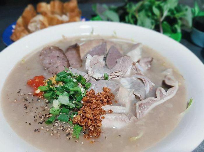 Cháo lòng Hà Nội – món ăn dân dã được người Việt yêu thích