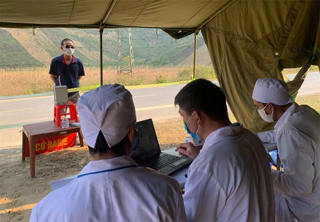 """Tái lập các """"chốt chặn"""" phòng, chống dịch COVID-19 tại Sơn La"""