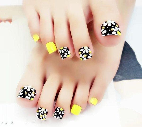 Những mẫu móng chân đẹp dễ thương đơn giản được yêu thích nhất hiện nay