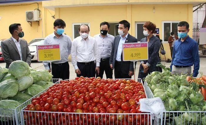 Liên minh Hợp tác xã Việt Nam tổ chức điểm bán hàng tiêu thụ nông sản từ Hải Dương