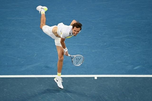 Đánh bại Medvedev, Djokovic vô địch Australian Open 2021