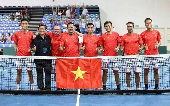 Lợi thế cho quần vợt Việt Nam tại Davis Cup 2021