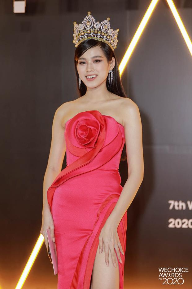 SAO MẶC ĐẸP: Thủy Tiên – Đỗ Mỹ Linh hóa 'nàng thơ' với váy áo tông hồng pastel