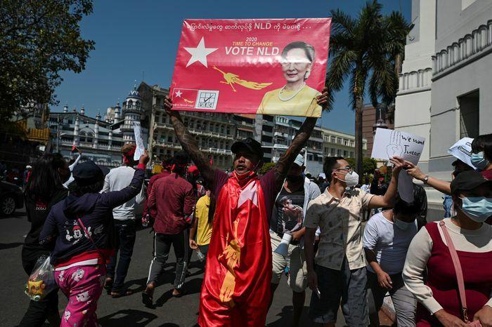 Giữa lúc bị Mỹ trừng phạt, quân đội Myanmar tiếp tục đợt bắt giữ mới