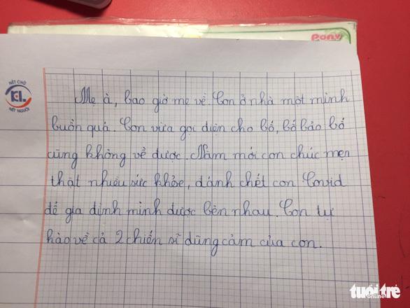 """Học sinh lớp 1 viết thư mong """"mẹ đánh chết COVID để gia đình mình được bên nhau"""""""