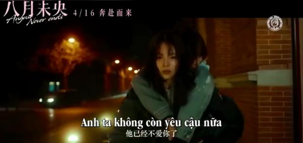 """Đàm Tùng Vận """"tung hint"""" bách hợp với gái đẹp 9X, có cả chồng yêu Đường Yên mà coi bộ anh nhà """"ra rìa"""" rồi!"""