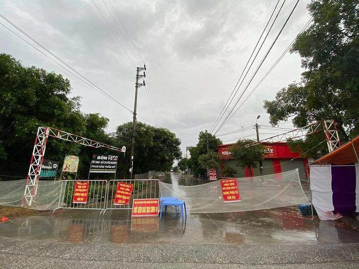 Hải Dương: Đóng cửa văn miếu Mao Điền và đền Bia tại Cẩm Giàng