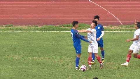 Cầu thủ Nam Định và Phú Thọ đánh nhau trong trận giao hữu