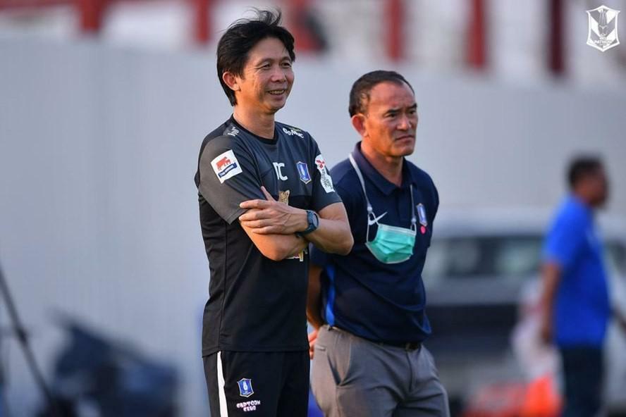 Dẫn dắt đội bóng Thái, huyền thoại HAGL lập 7 kỷ lục tại Thai League