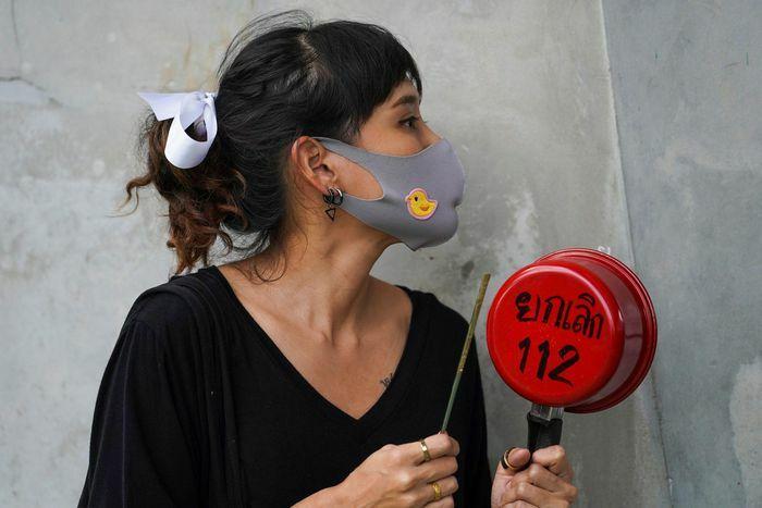 Bất chấp dịch bệnh, người Thái lại biểu tình rầm rộ